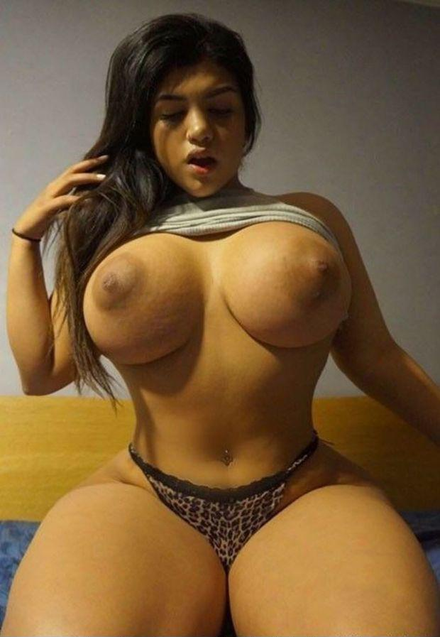 Latina women free porn photo 2