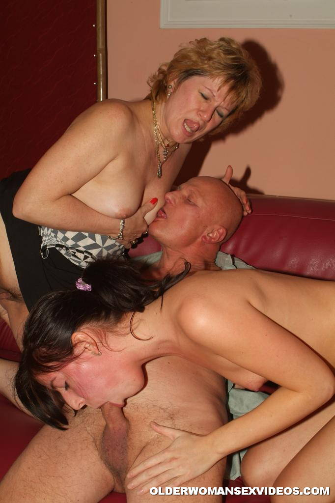 Mother daughter threesome sex and father mother daughter threesome