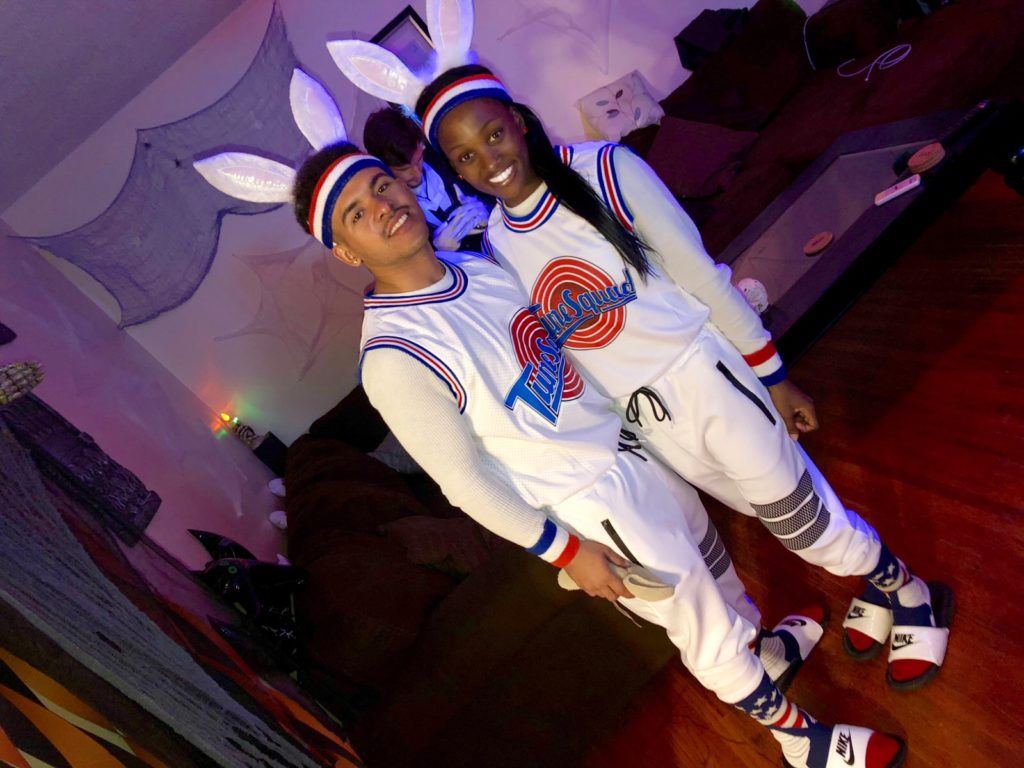 Lola bunny and bugs bunny space jam