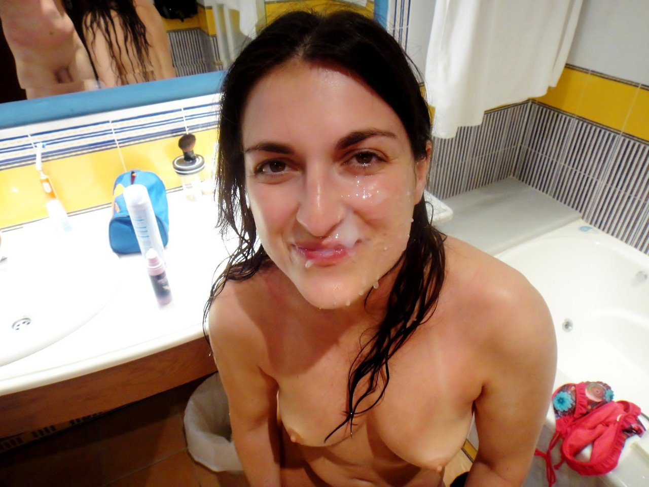 Ebony girls gets a quick facial from huge amateur facial photo 4