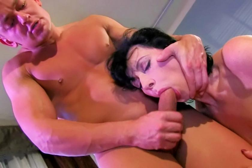 Smoking hot brunette with glasses fucked porn video